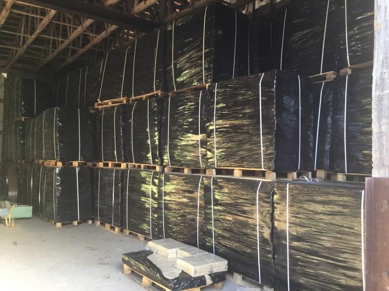 Hard wood briquettes – oak - Sawmill - HOLZ-BARAN GmbH
