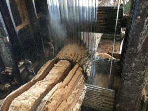 Massivholzdielen aus eigener Produktion
